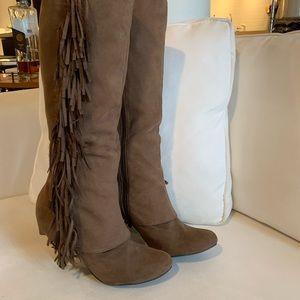 FERGALICIOUS by Fergie Fringe knee-hi boots